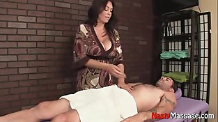 Mature providing undoubted massage