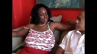 Sexy mature black BBW wants you to spunk in her mouth