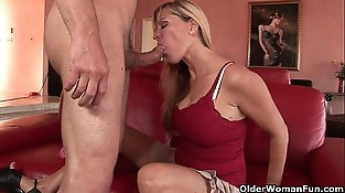 Mummy Nicole Moore swallows a cum explosion