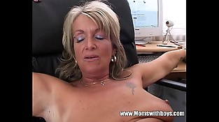 Blonde Mature Office Boss Anal invasion Fucked By Applicant