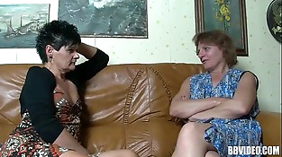 Two mature german hoes sharing cock in threesome