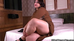 Latina moms get naughty in nylon pantyhose