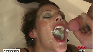 Taking turns on the Queen of jizz Viktoria - German Goo Girls