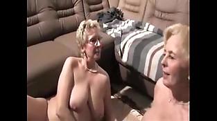 Lesbian grandmas from EpikGranny.com eating pussy