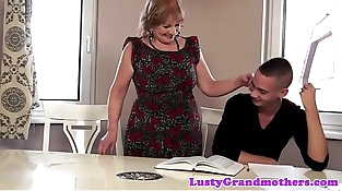 Bigass granny banged and gives blowjob