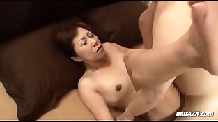 Mature Woman With Hairy Pussy Finger-tickled And Fucked Hard By Youthfull Guy Creampie On