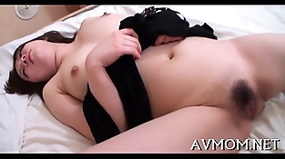 Sexy mom i'_d like to fuck caresses herself
