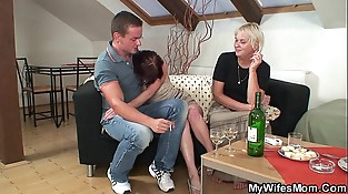 Old mom inlaw lures her boy
