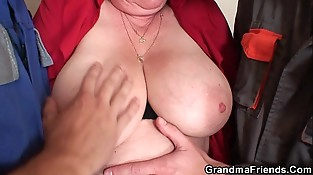 Nasty granny dual penetration