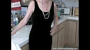 Taunting Slut GILF Fledgling Housewife