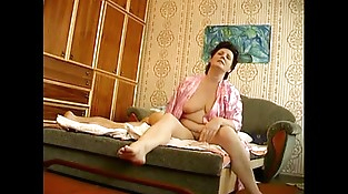 Russian mature with youthfull boy hiddencam